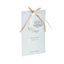 Pochette parfumée Rêve d'anges parfumée framboise, rose et patchouli